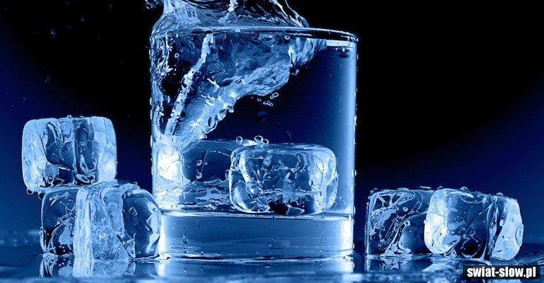 Co się stanie, jeśli będziecie pić tylko wodę przez 30 dni?